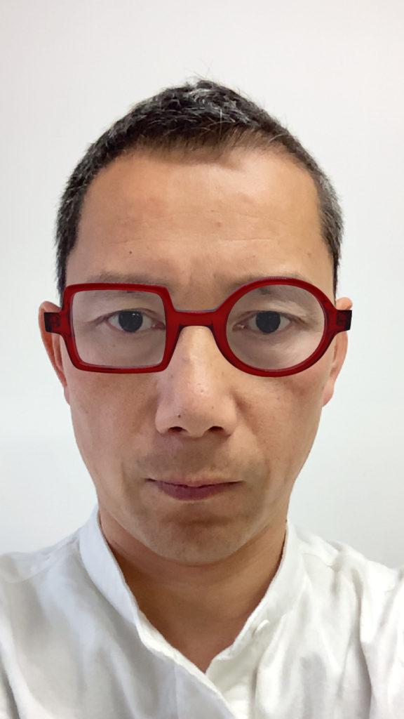 メガネを装着したイメージ 1